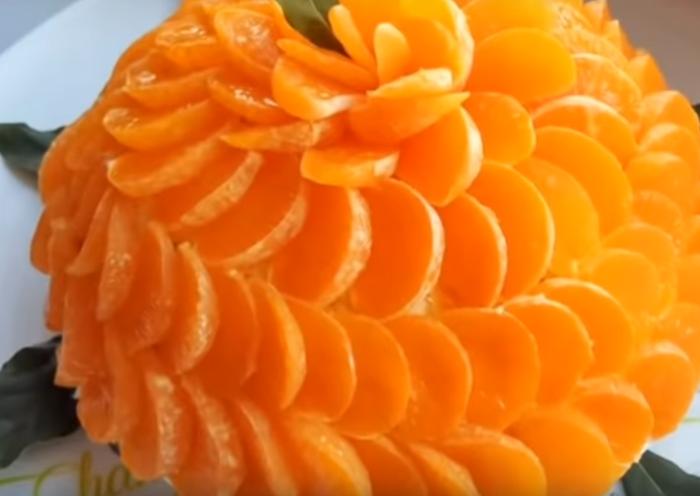 Салат в виде большой мандаринки