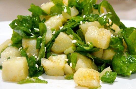 Картофельный салат с черемшой